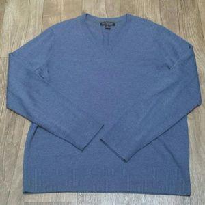 Banana Republic light blue V-neck sweater sz L